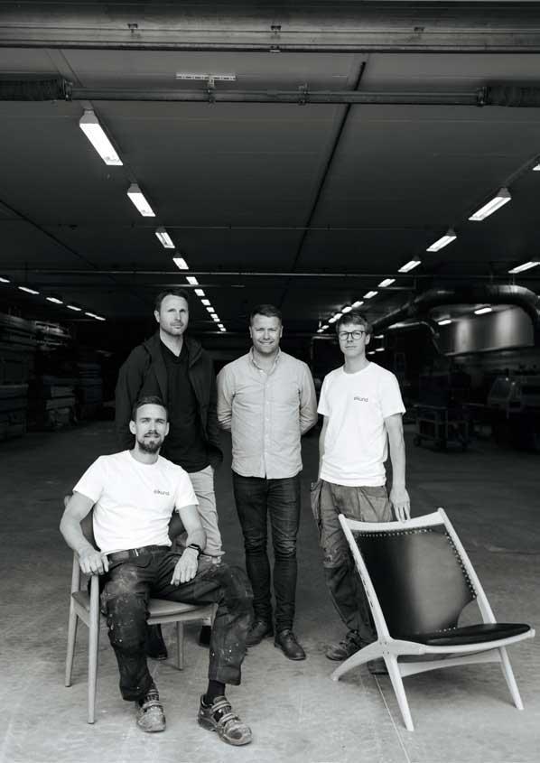 Stående fra venstre: Morten Hippe, Jørgen Tengsdal, Kriss Eide. Sittende Frode Tingbø